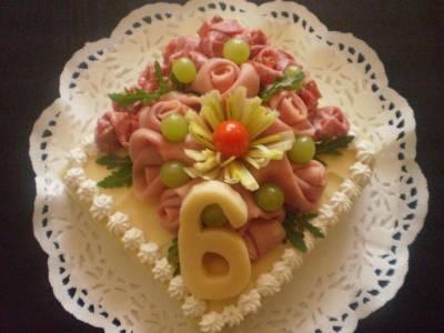 První dort poslala čtenářka milajska. Není sice plný šlehačky 31b9178f41